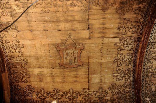 Het wapen van Alkmaar in de consistorie van de Grote Kerk in Alkmaar