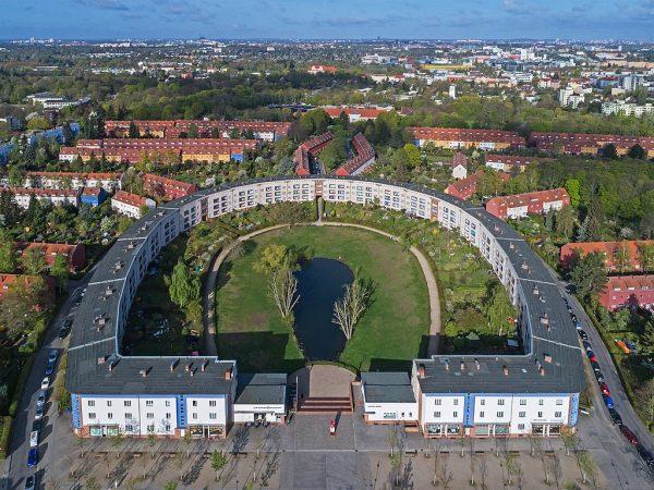De 'Hufeisensiedlung' in Berlijn-Britz