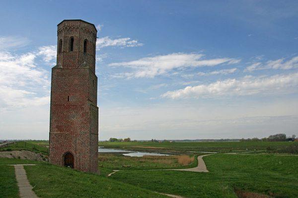 De Plompetoren in Burgh-Haamstede. Een rijksmonument dat op dit moment gerestaureerd wordt