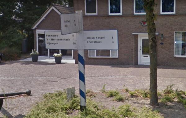 ANWB-wegwijzer in Nuland