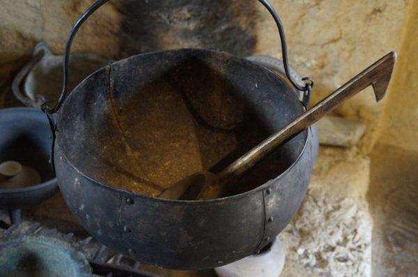 Referentiebeeld, middeleeuwse ketel.