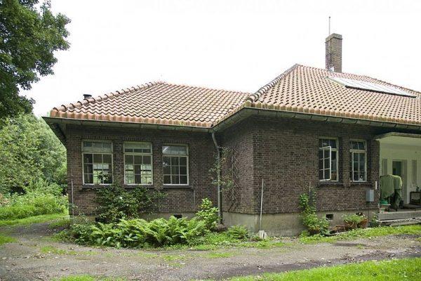 Zusterhuis van quarantaine-inrichting Heijplaat.