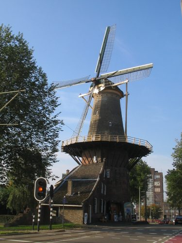 Korenmolen de Roos in Delft.