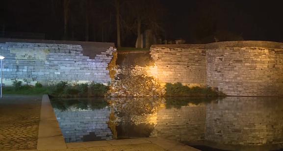 Ingestorte stadsmuur Maastricht.