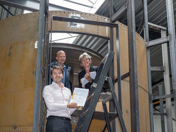 Ondertekening Huurovereenkomst, vlnr: Jeroen Ketting (BOEi), Peter-Ramp-(KDC), Willemieke de Waal (KDC)