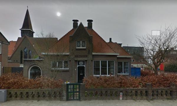 Eén van de kandidaat-monumenten: voormalige politiepost aan de Rondolaan in Rotterdam.