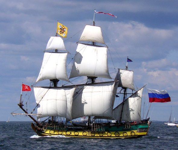Het fregat 'Shtandart', een replica van het schip dat Peter de Grote in 1703 in Sint Petersburg liet bouwen. Zaandam is de 'tweede thuishaven' van het schip