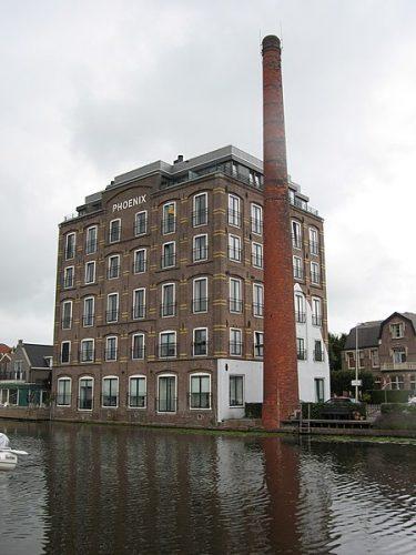 De voormalige shampoofabriek in Bodegraven.