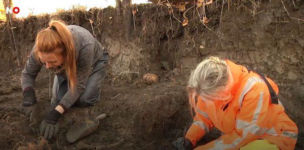 Archeologen aan het werk bij Vianen