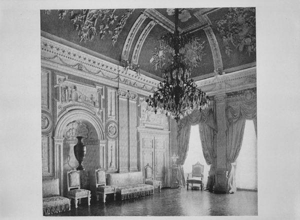 De grote zaal in kasteel Biljoen.