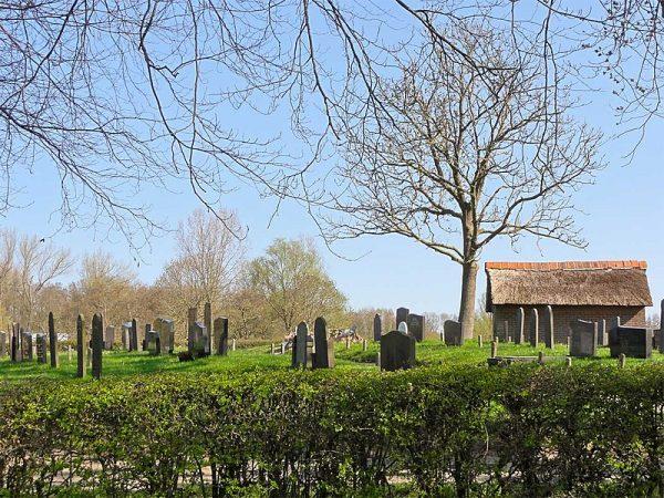 Begraafplaats in Zwartewatersklooster.